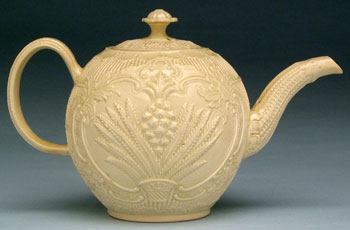/artifacts/views/creamware_teapot.jpg